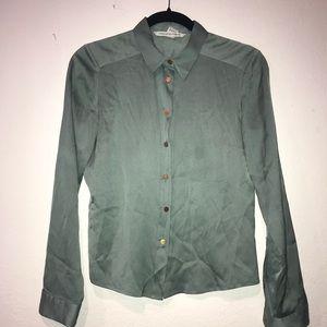 Diane Von Furstenburg silk blouse w/ snap buttons